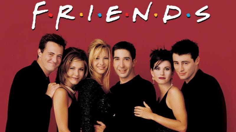 Matthew Perry, Jennifer Aniston, Lisa Kudrow, David Schwimmer, Courteney Cox, Matt LeBlanc posing for the camera