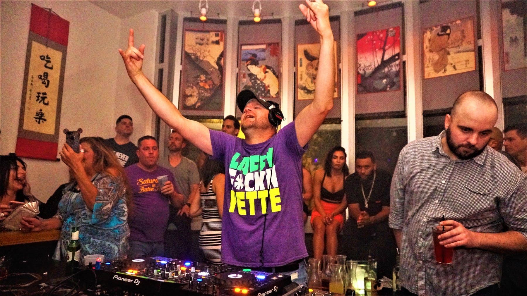 DJ Ohm Lounge
