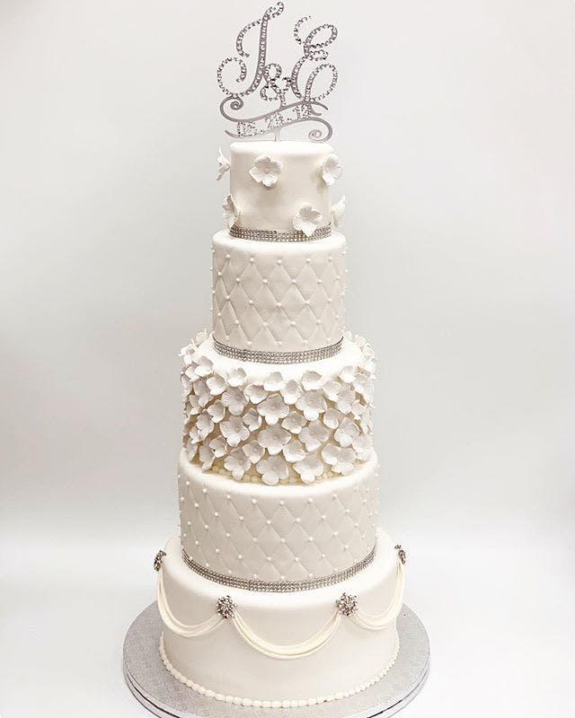 a cake made to look like a wedding