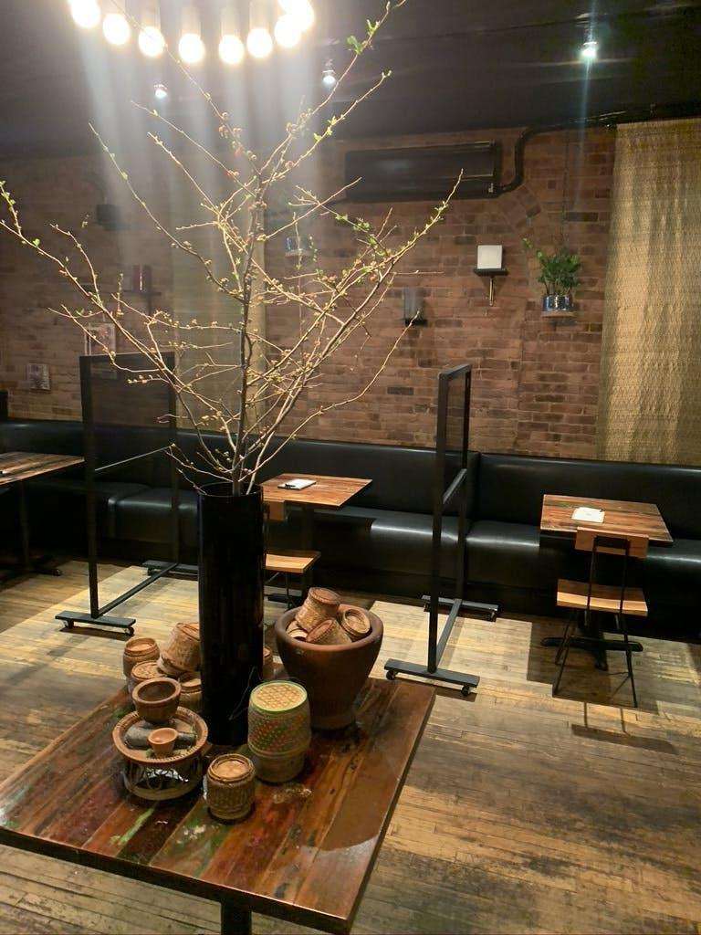 Khe-Yo Dining Room