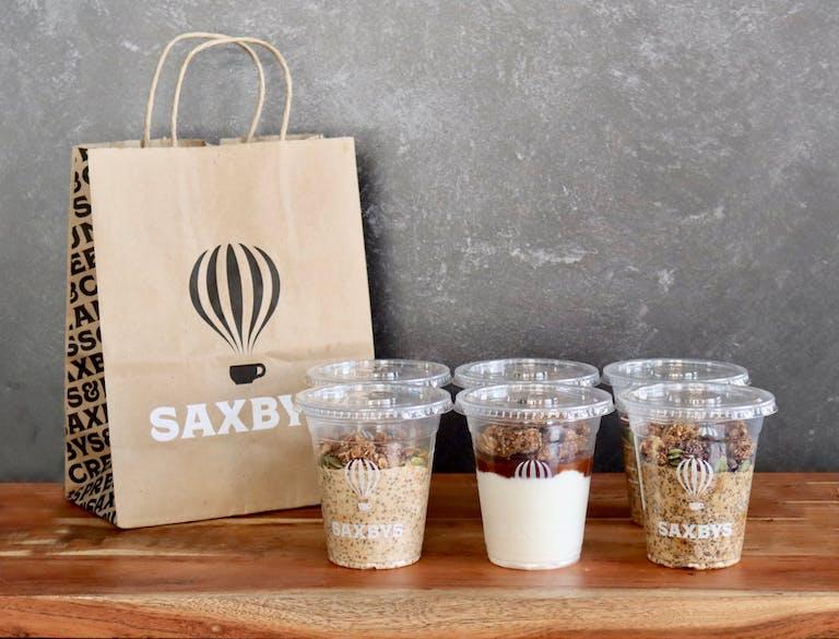 saxbys seasonal parfait and overnight oats pack