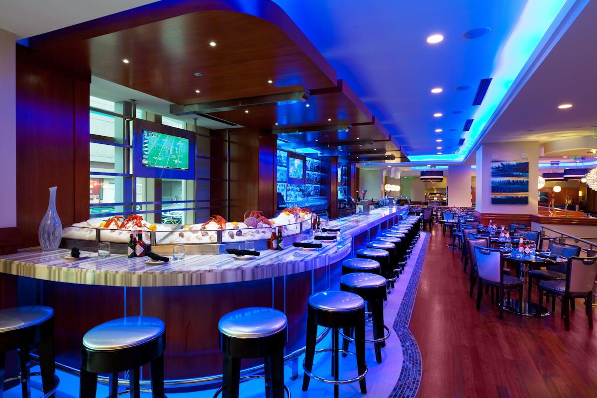 a restaurants bar at night
