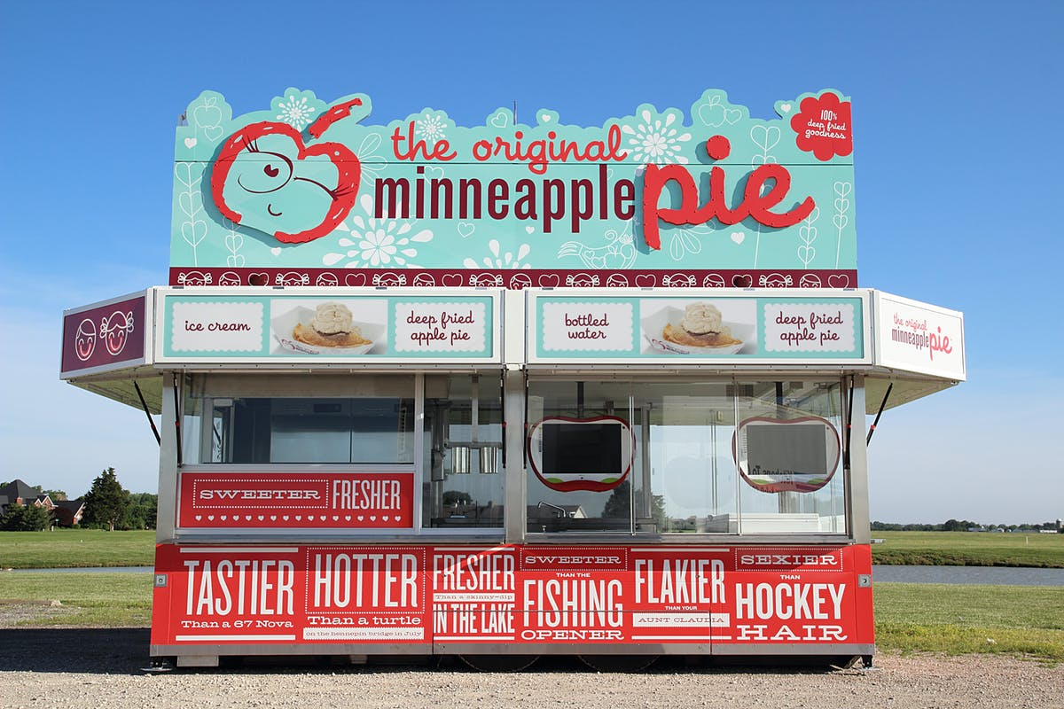 the original minneapple pie stand outside