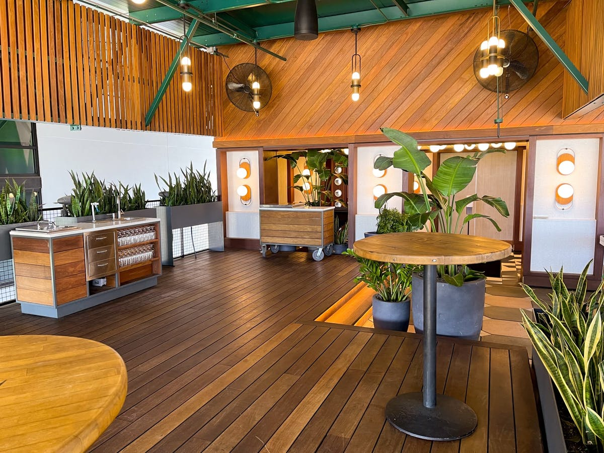 deco lounge event space