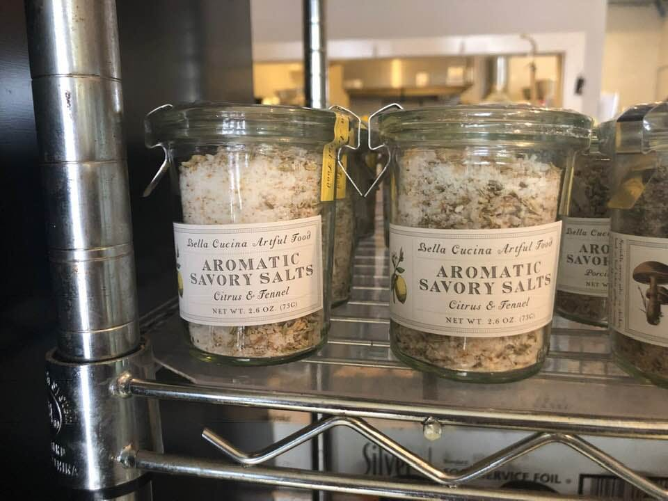 Aromatic savory salts for display