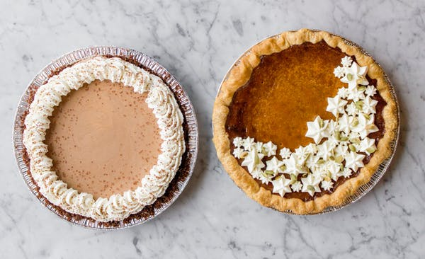 Thanksgiving pies for sale at Chicago neighborhood restaurant and bar