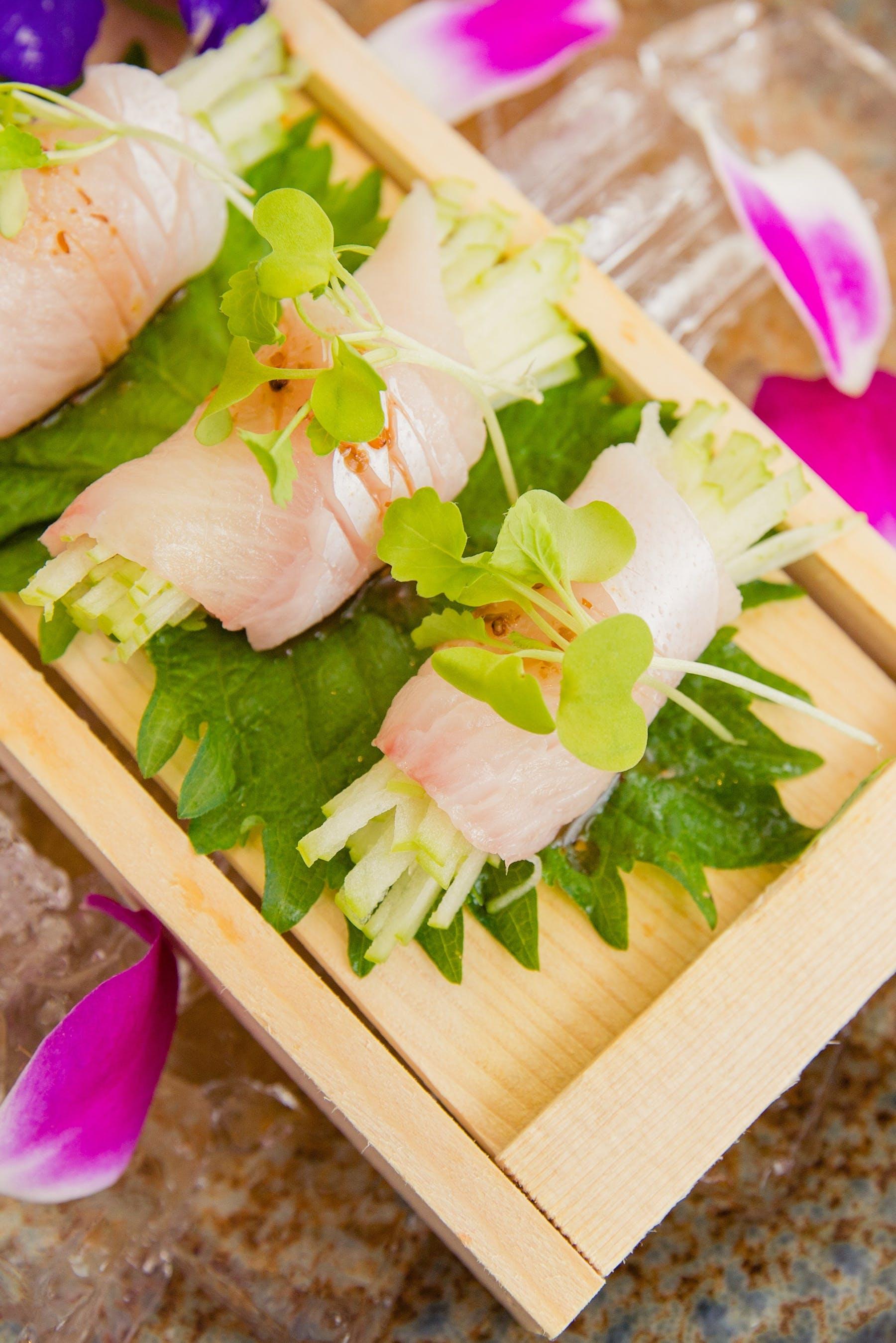 hamachi sushi crudo