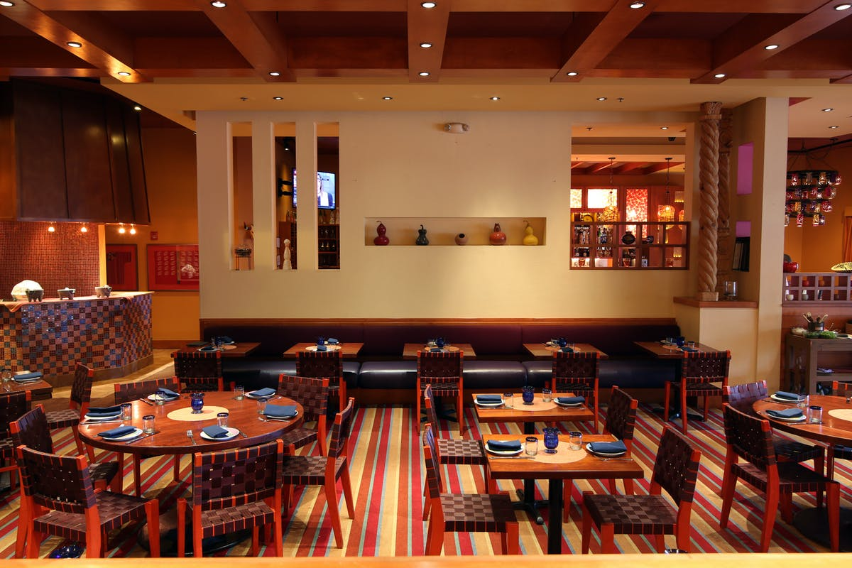 Mexican themed dining room at Rosa Mexicano in Riverside Square, NJ