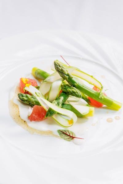 Asparagus With Grapefruit and Yogurt