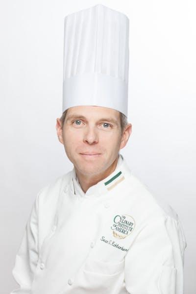 Dinner Chef-Instructor Sean Kahlenberg