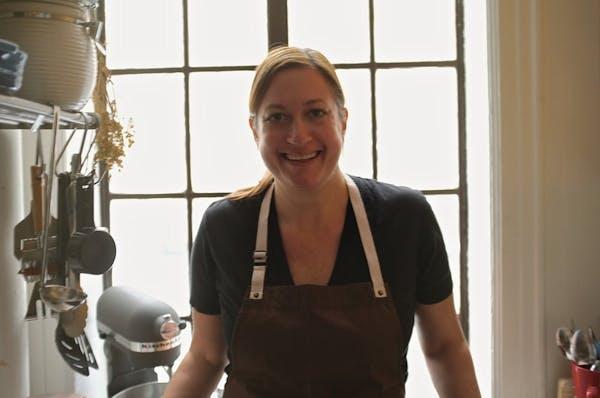 Carolyn Bennett Sullivan smiling for the camera