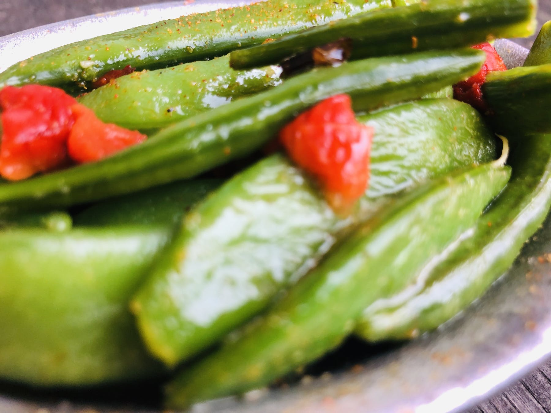 a close up of grilled green beans