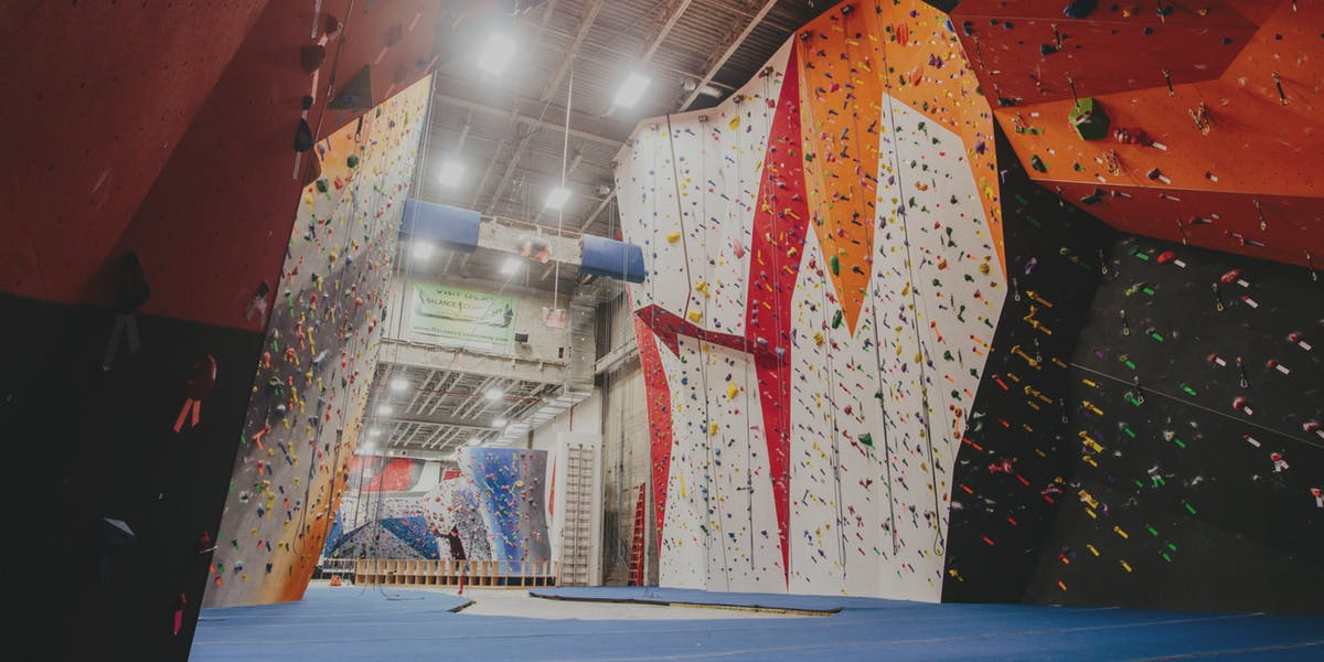 Long Island City Has The Two Best Indoor Rock Climbing Facilities In Nyc Woodbines Craft Kitchen