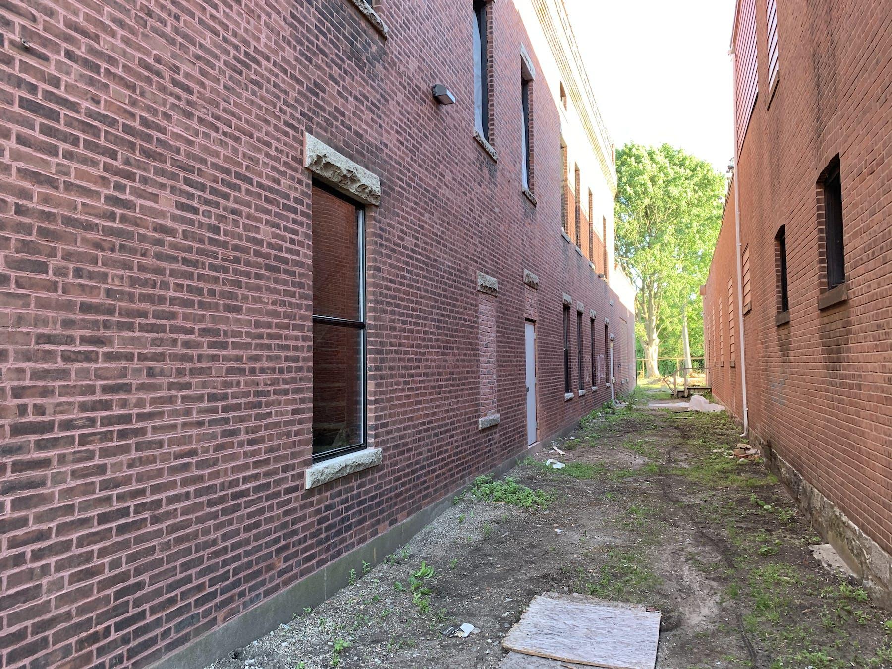 a brick building