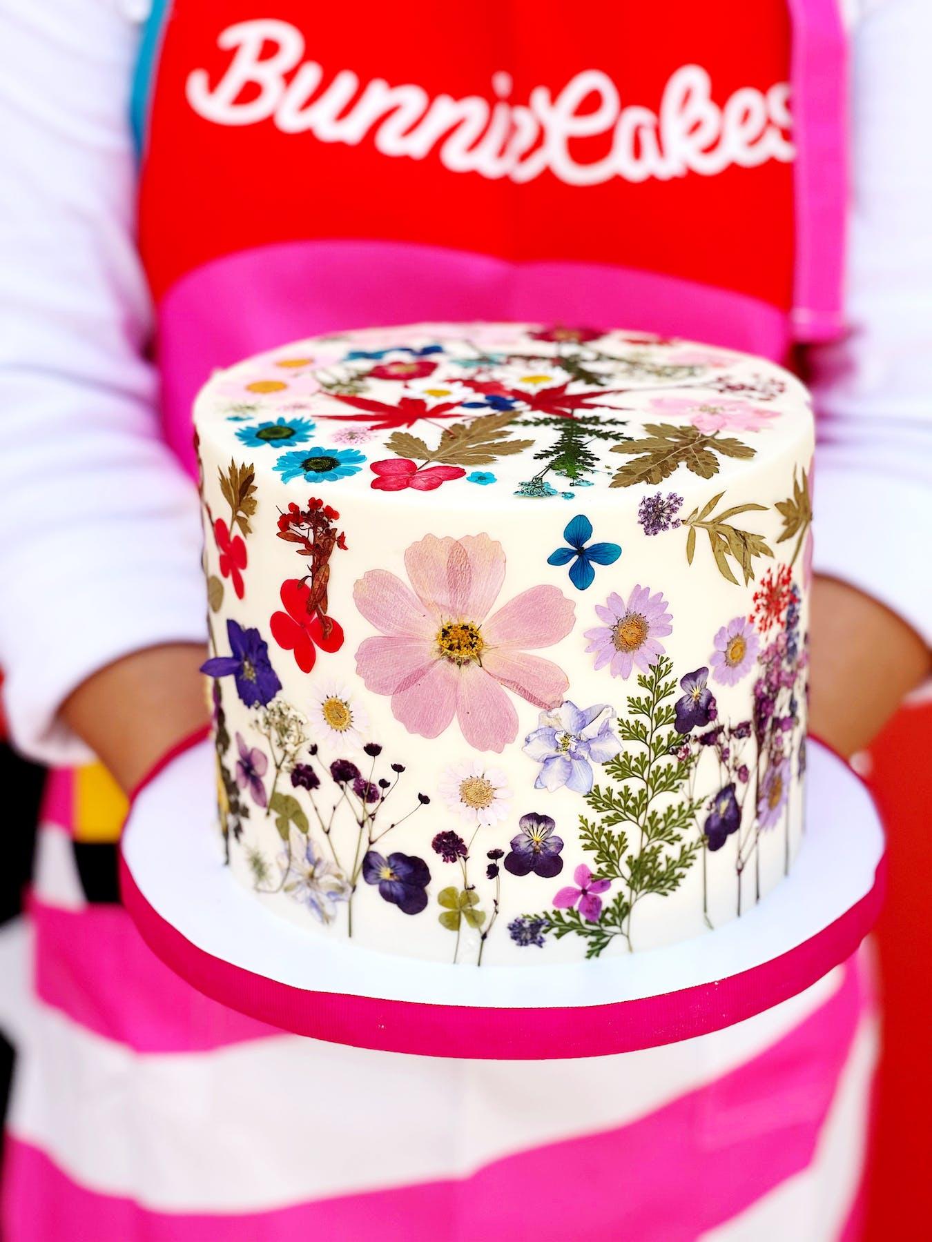 dry flowers cake