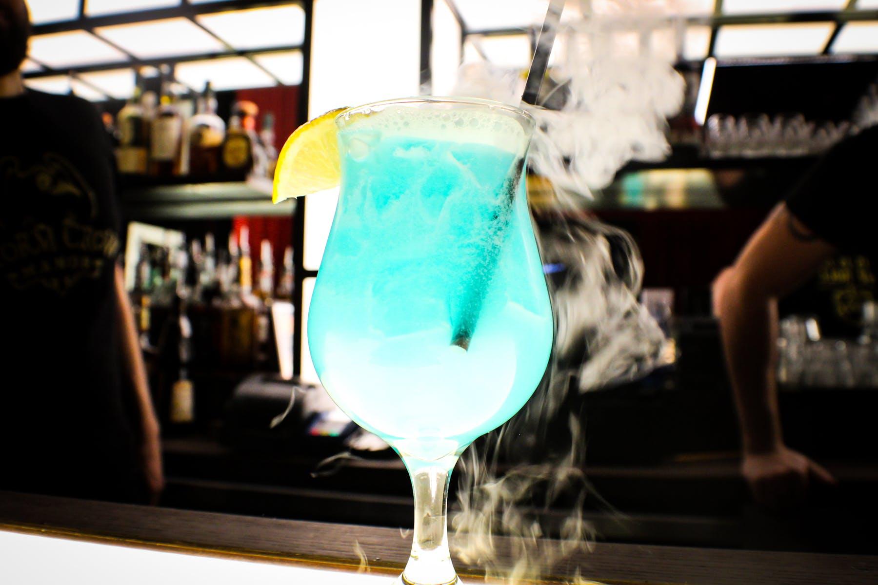 romulan ale bubbling cocktail