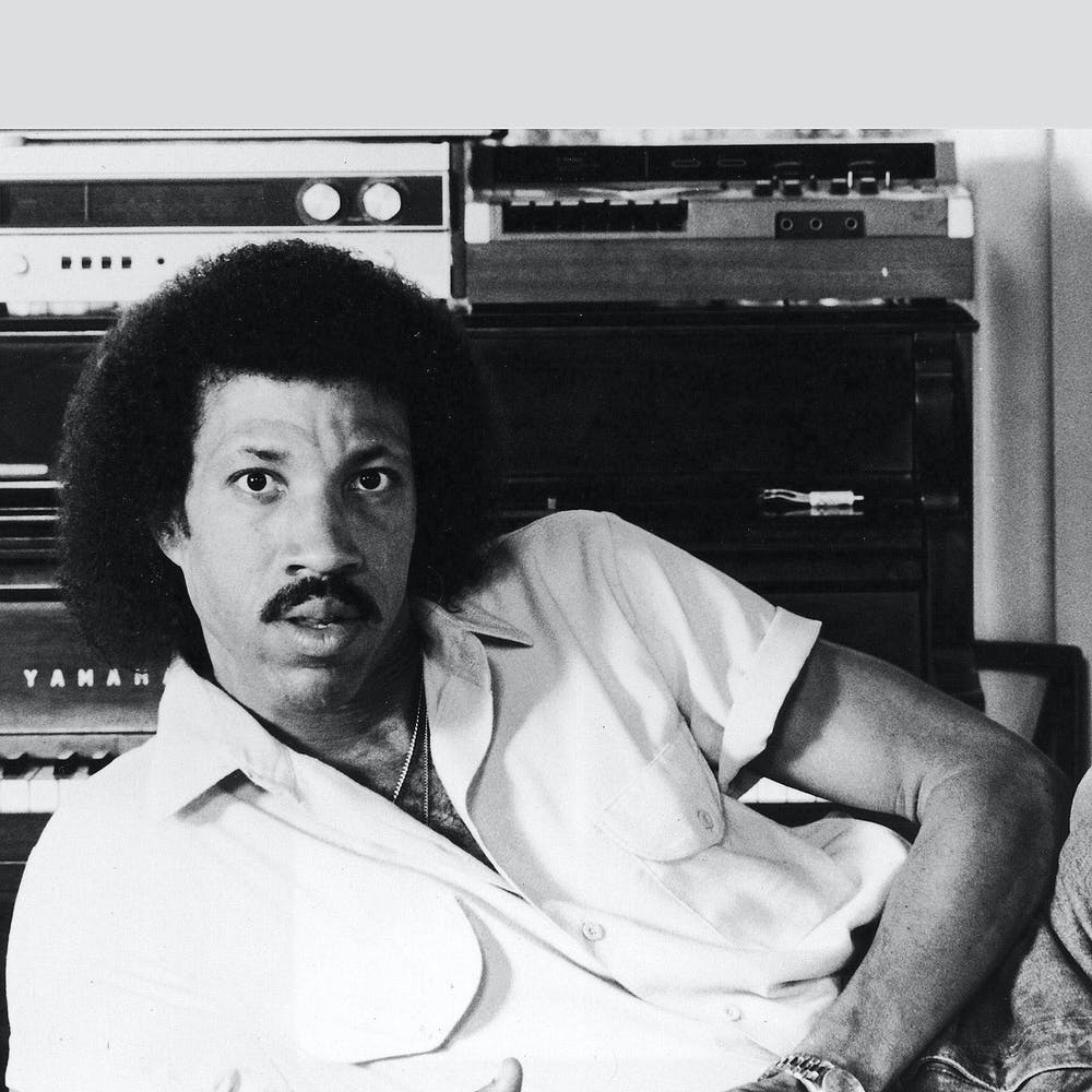 Lionel Richie posing for the camera