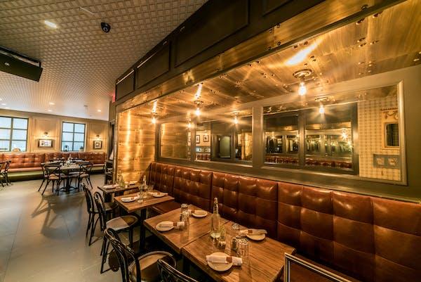 The best restaurant near Terminal 5 | THE DISTILLERY