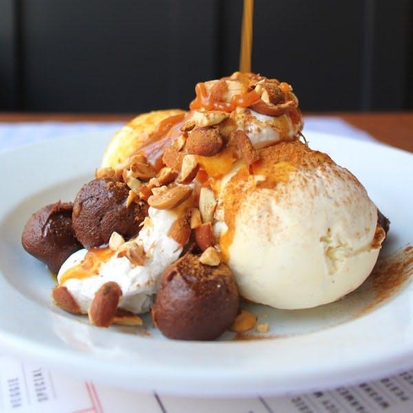 a dessert plate