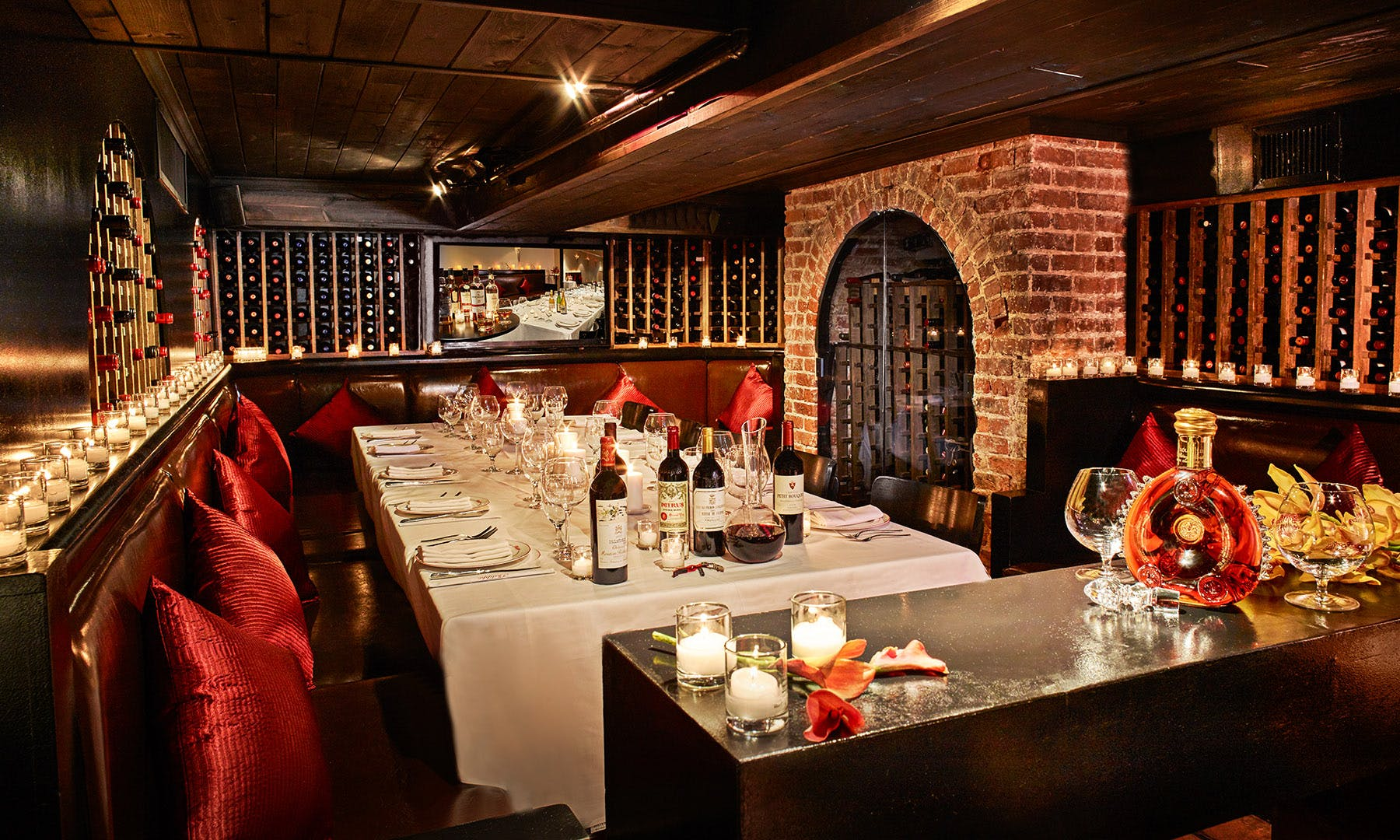Wine Cellar Room - Philippe Uptown