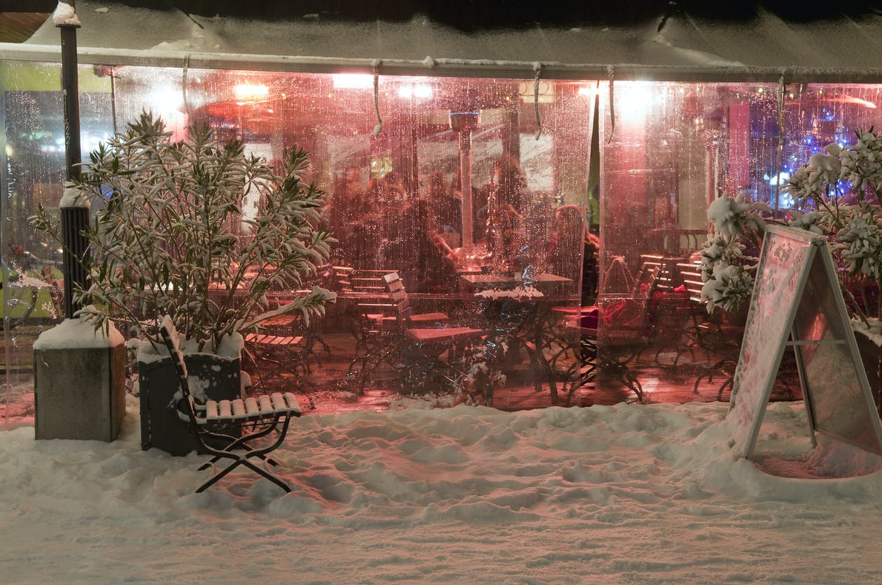A transparent covering keeps diners out of the elements