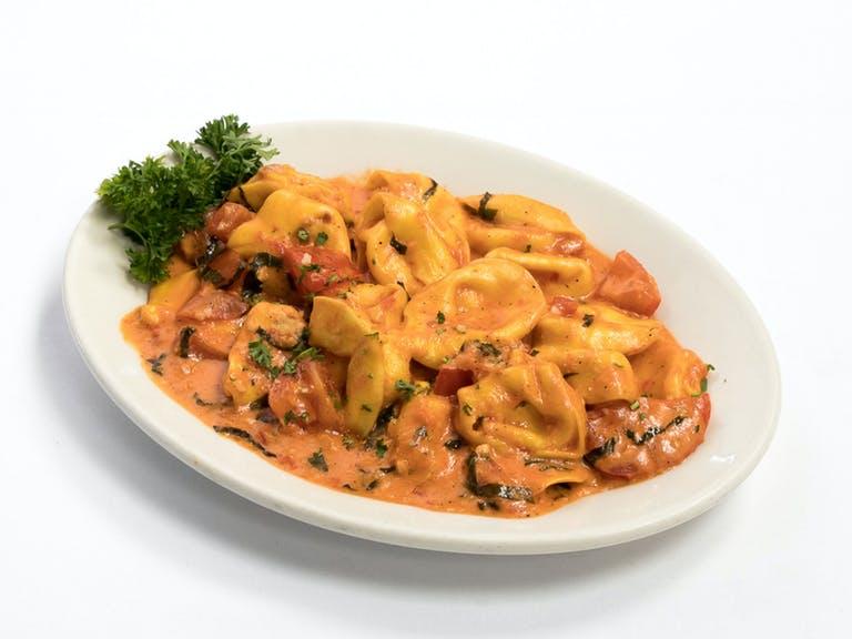 Tortelloni Pomodoro Alfredo Sauce