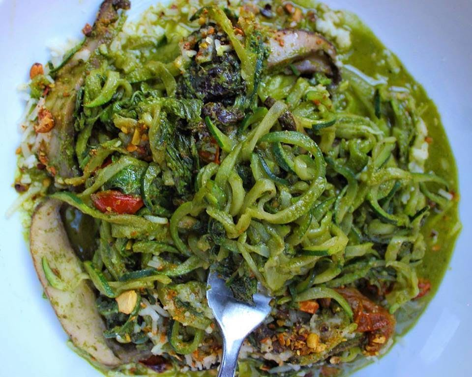 green pasta dish