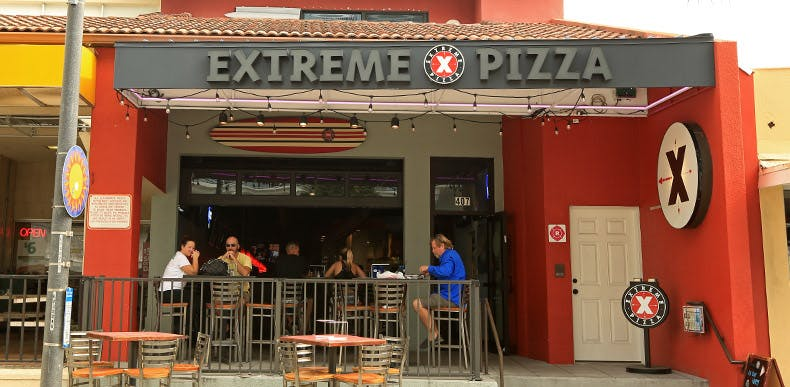 exterior of Extreme Pizza Clearwater